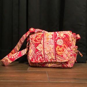 👛 Vera Bradley messenger type purse/bag